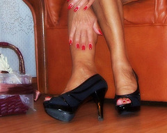 Madame Tissot en talons hauts / Lady Tissot in high heels shoes
