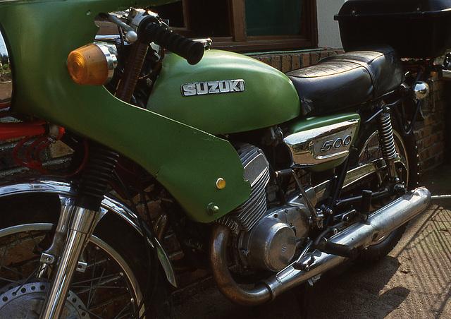 Suzuki T 500
