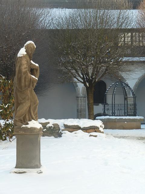 Antaŭ la regiona muzeo en Písek