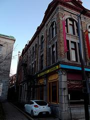 Restaurant chinois et sortie de secours / Chinese restaurant and fire escape - 30 novembre 2011.