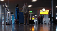 Airport blue dreamy high-heeled KLM Lady / Recadrage