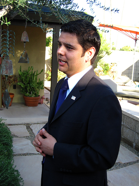Dr. Raul Ruiz (1979)