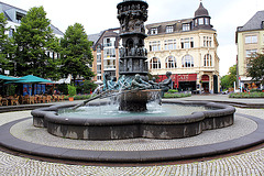 Brunnen auf dem Görresplatz in Koblenz am Rhein