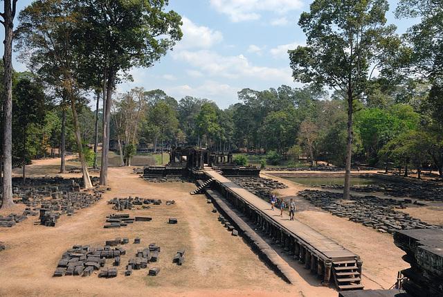 Walk back to the Royal Palace in Angkor Thom