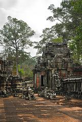 Entry tower to Prasat Ta Keo