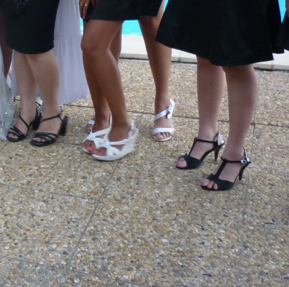 Mariage / Wedding party - Petit pieds asiatiques en talons hauts / Young Asian Ladies in high heels - 8 août 2011