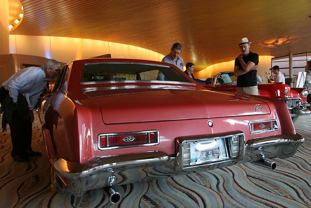Buick Riviera in Palm Springs Convention Center (2876)