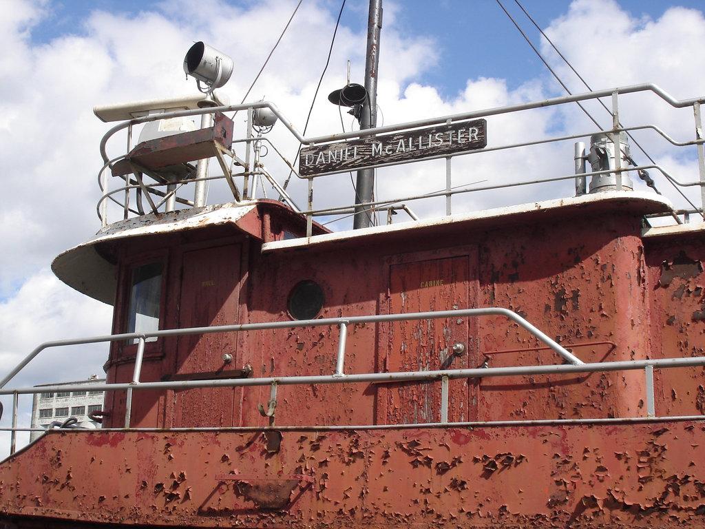 Old Montreal boat / Vieux port de Montréal - September 16th 2007