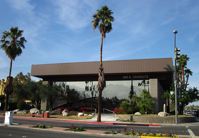 Palm Springs USD Offices (1828)