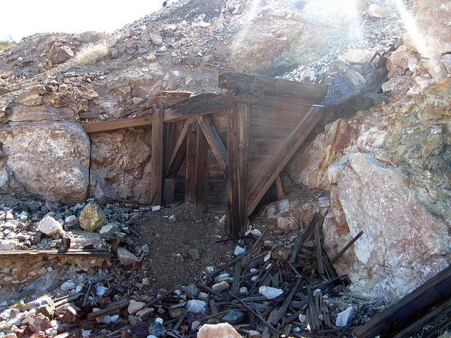 Black Eagle Mine (1998)