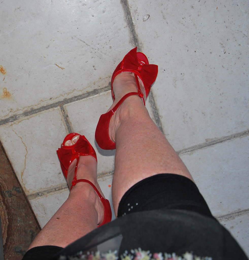 Dame Martine en talons hauts / Lady Martine in high heels - 2 juin 2011 / Photo originale