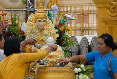 Sacrifice ceremony to Buddha image