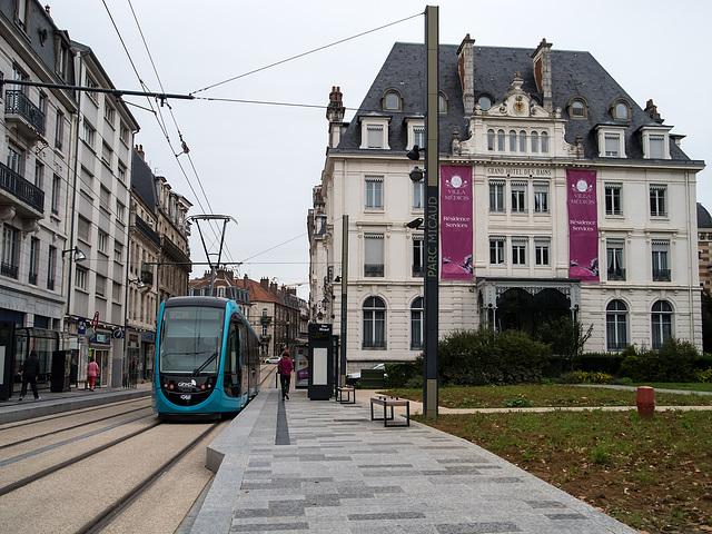BESANCON: Essai de Tram: Station Parc Micaud. 03
