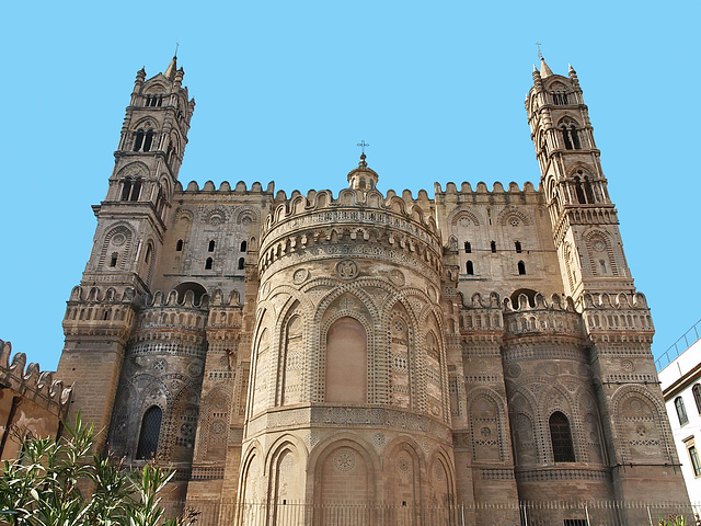 75123a3ab3 Most of the south front dates from the C13th and C14th. Palermo Cathedral