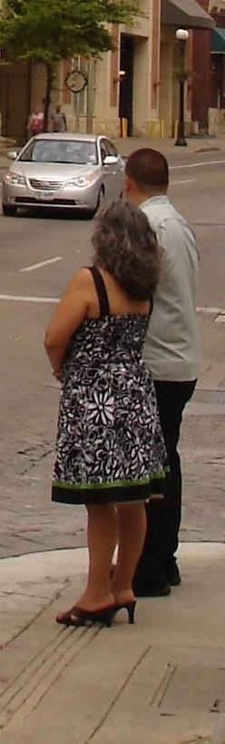 Contessa in high heels  / En talons hauts - 3 juillet 2010 / Recadrage.