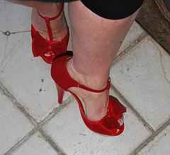 Dame Martine en talons hauts / Lady Martine in high heels - 2 juin 2011 - Recadrage en rotation 180 degrés
