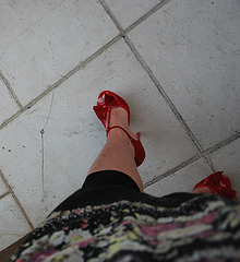 Dame Martine en talons hauts / Lady Martine in high heels - 2 juin 2011 / Recadrage