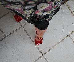 Dame Martine en talons hauts / Lady Martine in high heels - 2 juin 2011 / Recadrage en rotation 180 degrés
