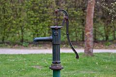 20120413 8514RAw Schwengel-Pumpe