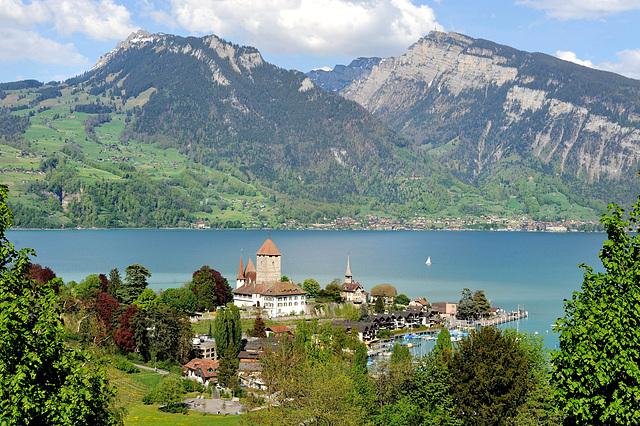 Le lac de Thoune (Oberland bernois)...