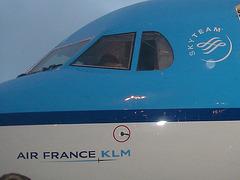 Schiphol airport blue boarding / Embarquement bleuté sur Schiphol - 26 octobre 2008