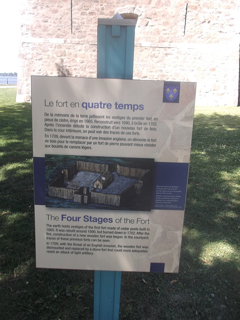 Le fort en quatre temps....../ The four stages of the fort.....