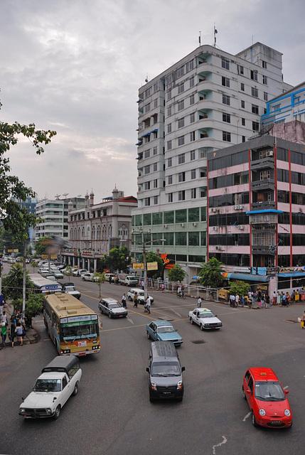 Yangons Sule Pagoda Road