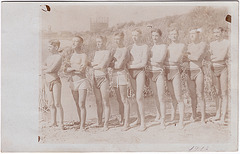 9 Guys in Dreiecksbadehose / Dreieckbadehose