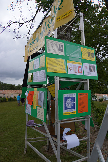 Inaŭguro de la Esperanto-strato en Moutiers-les-Mauxfaits, la 3an de junio 2012