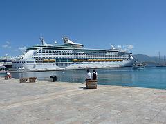 El barco llega a Córcega- Puerto de Ajaccio