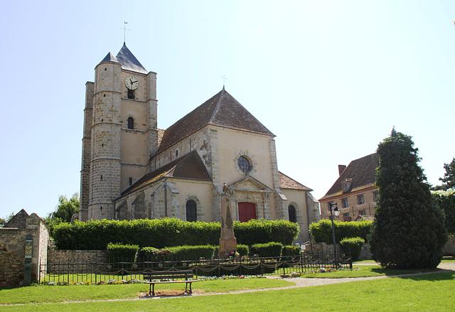 Ozouer-le-Voulgis (77) - L'église