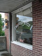 Réflexion d'un coiffeur de rivière/ Riverside barber shop reflection - 12 juillet 2010.