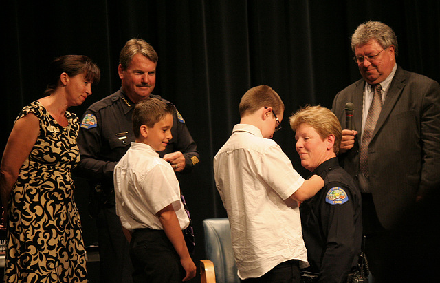 Chief Singer being pinned (6592)