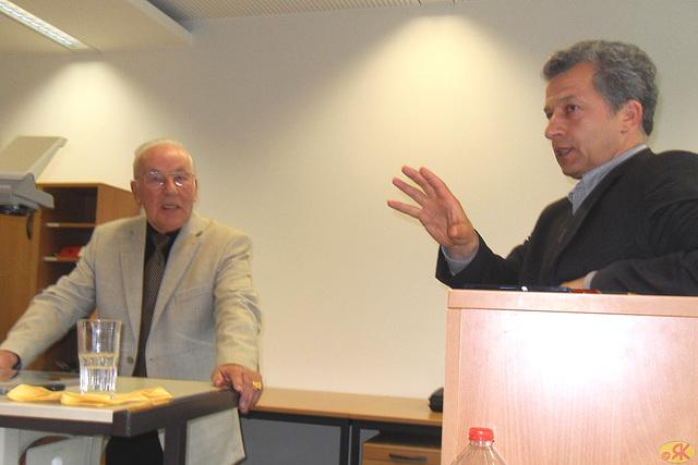 2013-05-10 07 prof-ro Krause en TU Dresdeno