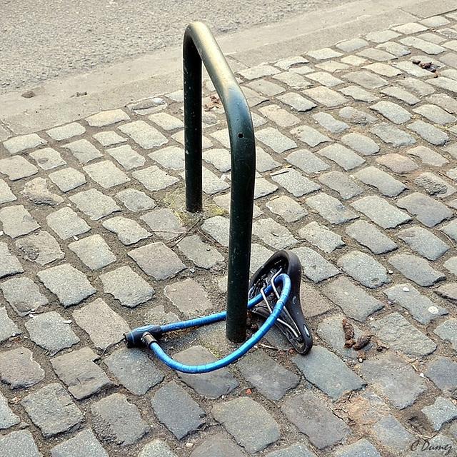 Aller à la selle avant de faire du vélo sans selle !