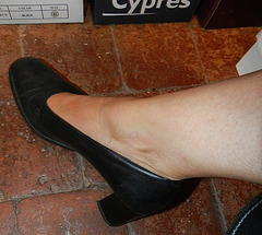 Madame Christine en talons hauts / Lady Christine's high heels close-up
