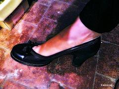 Madame Christine en talons hauts / Lady Christine's high heels close-up - 25 août 2012.
