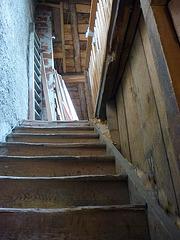 Escalier du donjon M / The M keep's stairs - 6 septembre 2012.