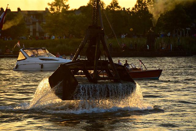 Dordt in Stoom 2014 – Vlootschouw – Lifting water