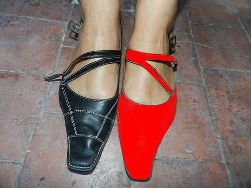 Madame Christine en talons hauts  Lady Christine's high heels close-up - 25 août 2012.