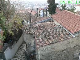 Malnova domo en la supra urbo de Thessaloniki