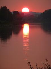 Sonnenuntergang über der Elbe bei Pirna - sunsubiro sur la Elbe apud Pirna