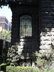 Vitrail ombragé / Shady stained glass - 12 janvier 2011.