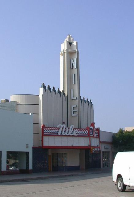 Bakersfield, Nile theatre