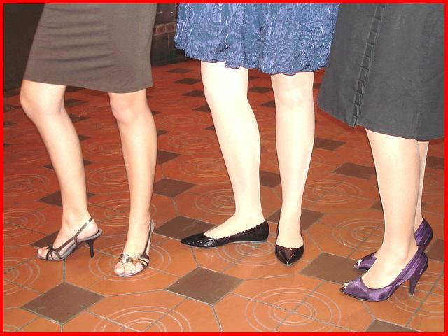 Willing  Goddesses Danish Trio / Un trio de Déesses danoises très complices - 6 novembre 2007.