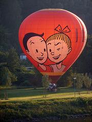 Heißluftballon - Ein Lächeln aus dem Elbtal an alle Kinder dieser Erde - rideto el la Elbvalo al ĉiuj infanoj de la mondo