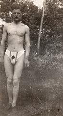 swimmer in nice Dreiecksbadehose - 1910'