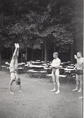 handstand 1910'