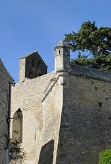 Le clocher de l'église et l'échauguette