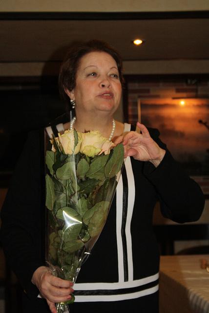 L. Novikova dum la festo okaze de la 20-jariĝo de eldonejo Impeto